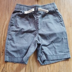 The Children's Place size 4 shorts